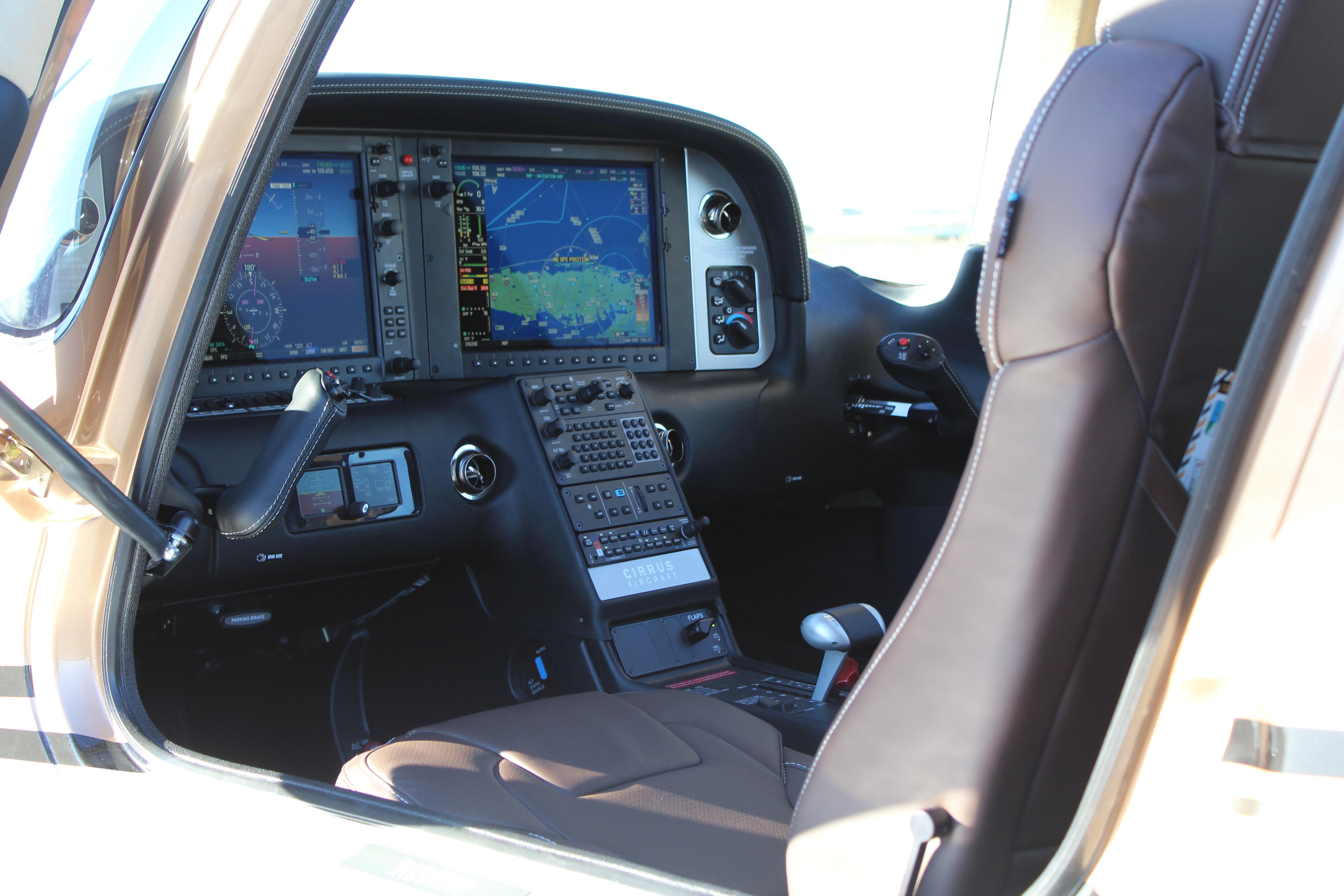 N324BR–SR-22 G5 Interior